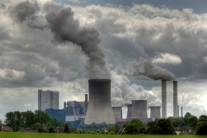 The proposed rule aims to reduce nationwide greenhouse gas emissions from coal-fired power plants like this one by 30% in 2023, compared to 2005 levels. (Source: www.energywiseepa.org)