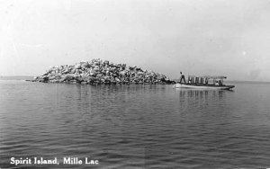 1915 Postcard of Spirit Island, Mille Lacs Lake. (Source Minnesota Historical Society)